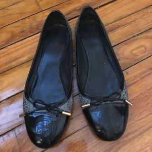 Tory Burch size 8.5 flats black and grey